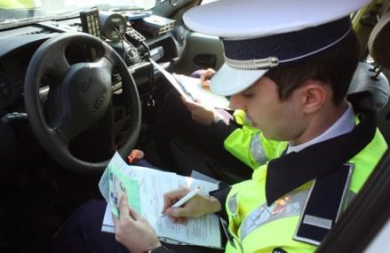 Prefectura Capitalei anunţă reluarea examinărilor pentru persoanele care vor să obţină permisul auto