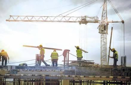 Compania de construcţii Octagon şi-a comprimat afacerile de patru ori în primul an de insolvenţă, până la 24 mil. lei. Constructorul este deţinut de mai mulţi asociaţi, printre care grecii Alexandros Ignatiadis şi Paschalis Paganias, conform platformei Confidas