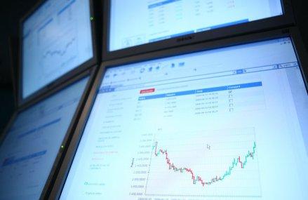 """Cele 16 companii din indicele bursier BET au avut afaceri de 31 mld. lei în S1/2019, cu un profit de 7,1 mld. lei. Marja de profitabilitate a fost de 22,7%, pe care analiştii o consideră """"una foarte bună"""""""