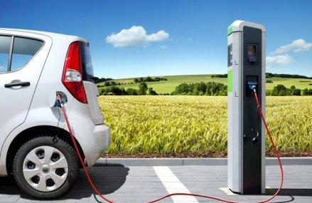 Polonia va prezenta prototipuri ale primei sale maşini electrice până la mijlocul acestui an
