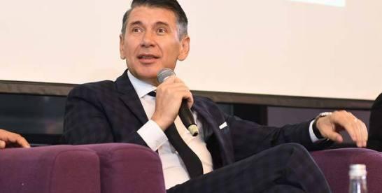 """ZF/Raiffeisen Branduri româneşti. Marius Pantiş, directorul general al Optimedia: Ne-am dat seama că şansa noastră este exportul, avem peste 1.000 de dealeri în Europa care cumpără de la noi. Numele companiei a fost dat de Simona Pantiş, Optimedia făcând trimitere la """"soluţia optimă pentru o casă."""""""