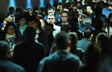 USR cere Guvernului să dea 830 de lei fiecărui român care şi-a pierdut locul de muncă