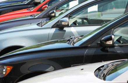 APIA: Online-ul a ajuns să reprezinte jumătate din piaţa auto locală. În total, în primele patru luni ale anului s-au înregistrat 32.300 autoturisme noi, în scădere cu 27% faţă de perioada similară a anului trecut