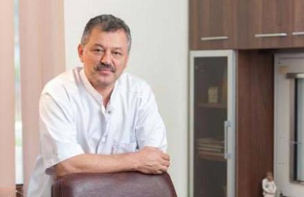 """Medicul Gavrilaş Mureşan, acţionarul grupului Sanovil din Bistriţa, a investit peste 2 mil. euro într-un spital de recuperare şi o clinică. """"Reuşim să atragem personal medical, avem stabilitate acum în piaţă, """"furtuna"""" de anul trecut s-a terminat."""""""