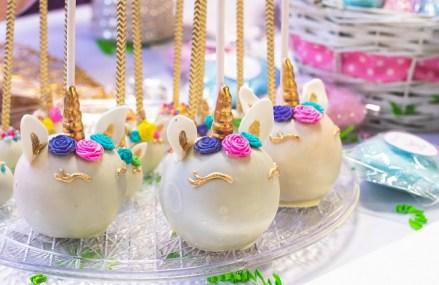 Un start-up pe zi. Trei asociate au creat un magazin online de decoruri pentru prăjituri, după o investiţie de 30.000 de euro