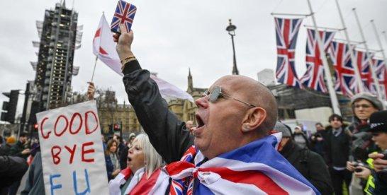 """Englezii închid uşa """"instalatorilor polonezi şi muncitorilor români"""": Regatul Unit nu mai vrea forţă de muncă ieftină în fabrici, depozite, hoteluri şi restaurante"""