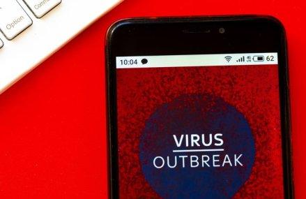 Cum vor hackerii să profite de oameni în pandemie: Un virus troian îţi cere bani ca să vezi persoanele infectate din apropiere