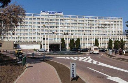 Peste 200 de pacienţi din cei 306 internaţi la Spitalul Suceava se află pe sectorul Covid-19