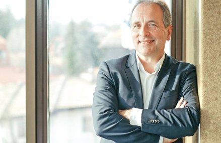 Business MAGAZIN. Johan Gabriels, un bancher care a preluat conducerea unui fintech: Toată lumea vorbeşte despre criza financiară din 2008-2009, dar aceea a fost floare la ureche comparativ cu criza actuală. În viitor nu va mai fi nicio diferenţă între un fintech şi o bancă. Noi vrem să dăm împrumuturi în România şi Bulgaria