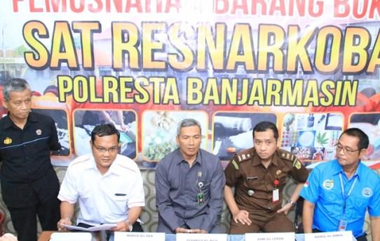Polresta Banjarmasin : Selamatkan 1.140 Jiwa, 78,34 Gram Sabu - Sabu Dimusnahkan