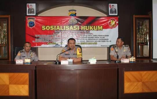 Kapolresta Banjarmasin buka sosialisasi hukum bagi Personel Polresta Banjarmasin