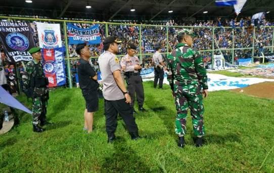 Polresta Banjarmasin Berikan Pengamanan Pada Pertandingan Sepak Bola Piala Presiden 2019