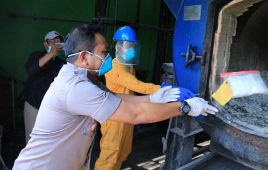 Hampir 3 Kilo Sabu dan 800 Ribu Obat Diincenerator oleh Polresta Banjarmasin
