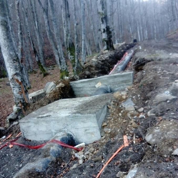 Samokovska reka 1 pipes going through the National Park