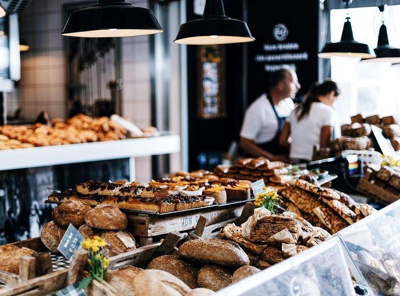 Aranżacja wnętrz, sklepy, kawiarnie, piekarnie