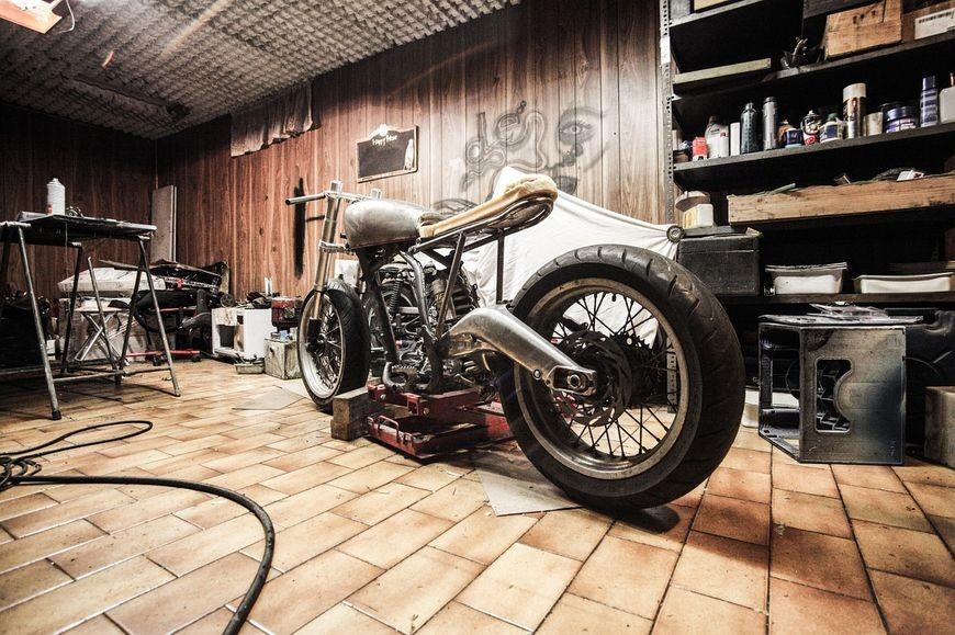 Montaż garażu z blachy