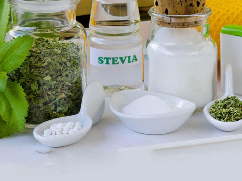 گیاه استویا ( شیرین برگ ) یک شیرین کننده بدون کالری فوق العاده