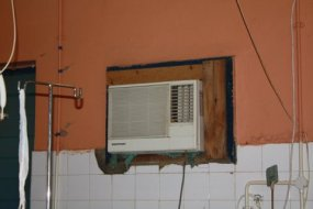 Inadequate air conditioning units for the size of the theatre