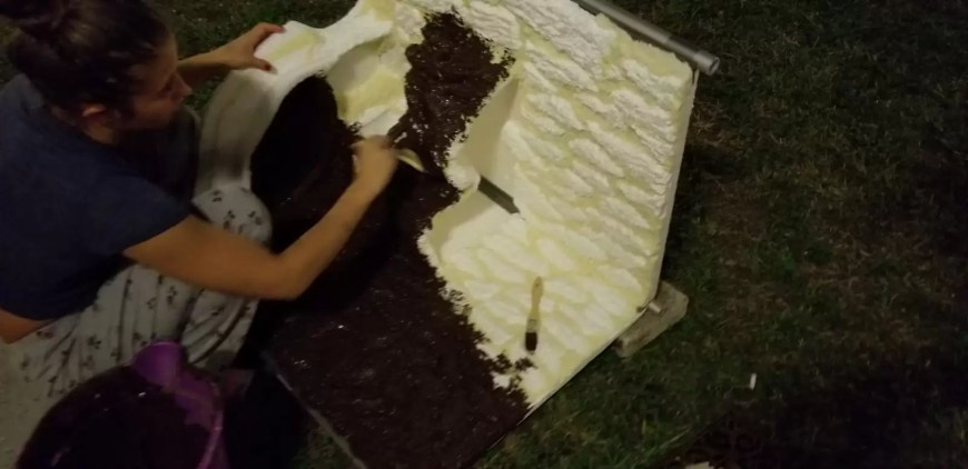 grouting the foam wall and waterfall for paludarium DIY