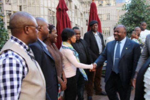 Ali Bongo à la recherche d'hommes et femmes de confiance