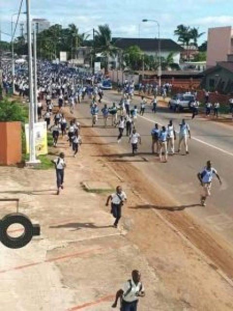 Les élèves gabonais dans la rue depuis ce lundi 08/04/2019