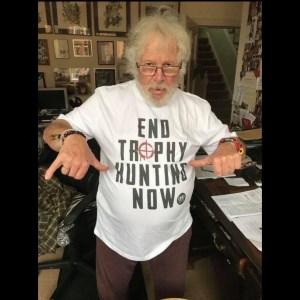 Bill Oddie strikes a pose in our slogan Tee