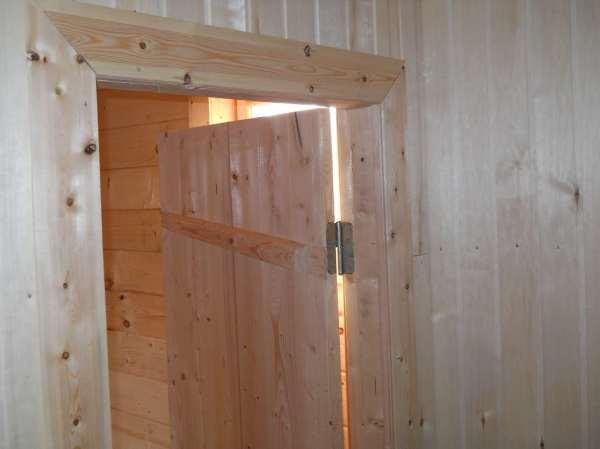 Как сделать дверь из досок своими руками: инструкция с ...