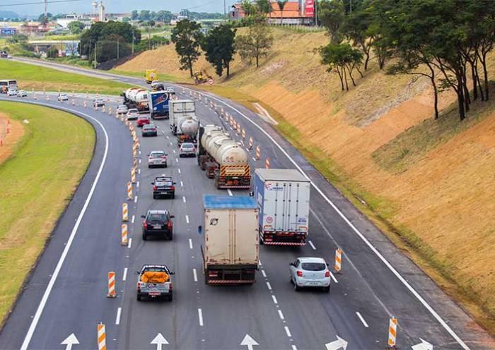 CNI reitera críticas a tabelamento de fretes rodoviários