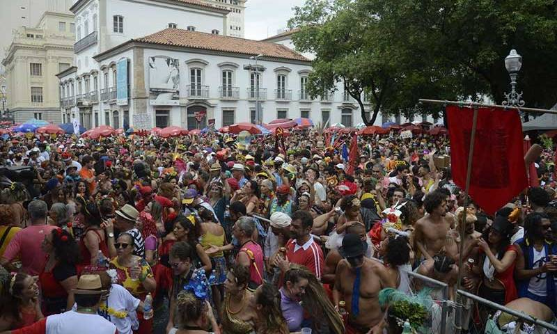 RJ: Quase 2,5 milhões de foliões brincaram o fim de semana de carnaval