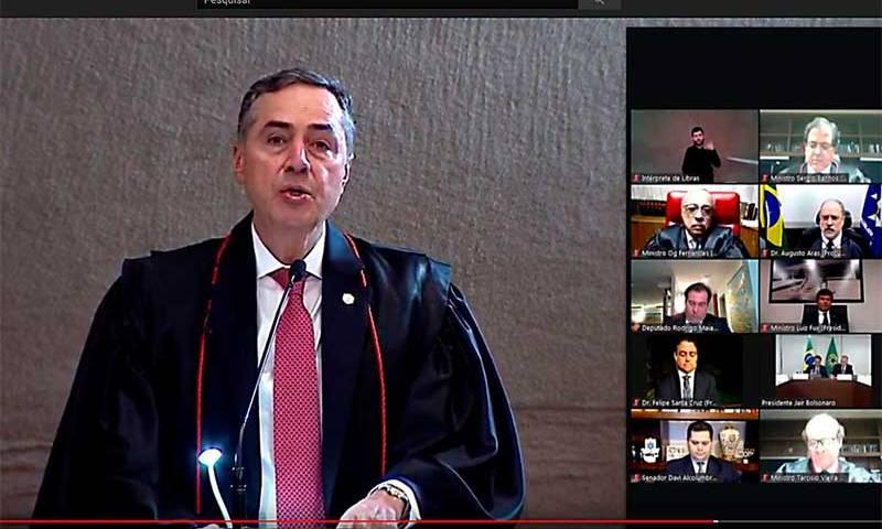 Barroso toma posse como presidente do TSE em cerimônia virtual