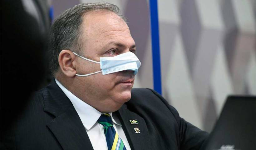 Pazuello depõe à PF em inquérito que investiga prevaricação de Bolsonaro