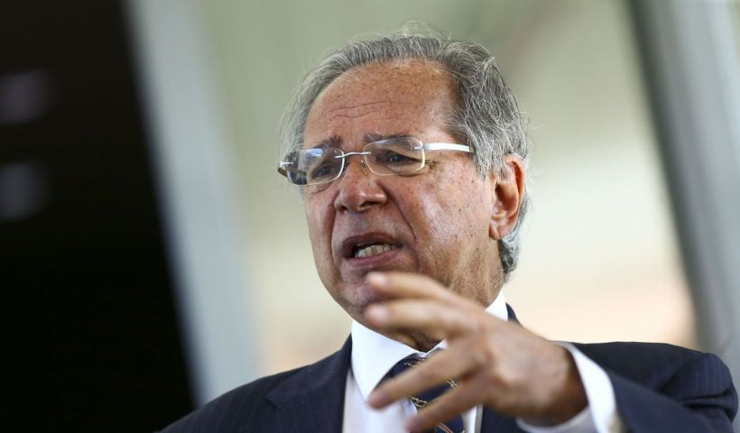 "Guedes defende aumento ""modesto e moderado"" para Bolsa Família"