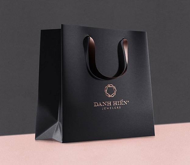 In túi giấy trong lĩnh vực thời trang