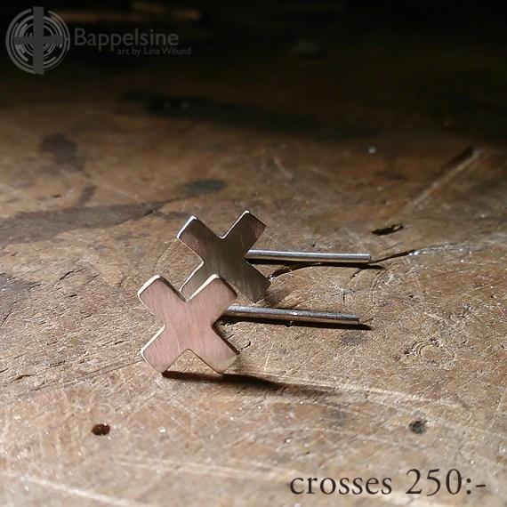 KRYSS eller KORS örhängen 250:-
