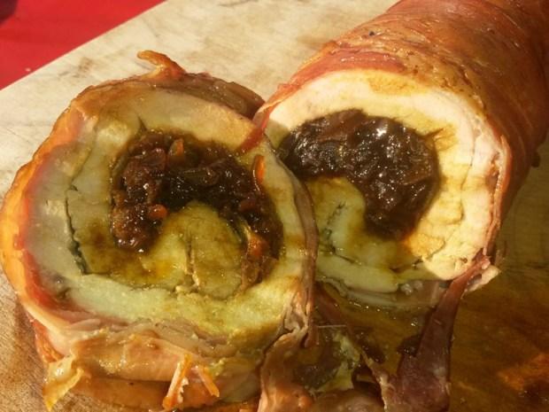 Kommt bei den Gästen sehr gut an. Schweinefilet mit Honig-Balsamico-Zwiebel-Füllung