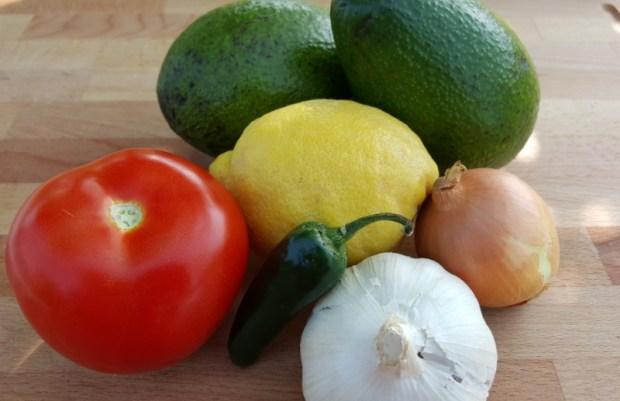 Zutaten für die Guacamole