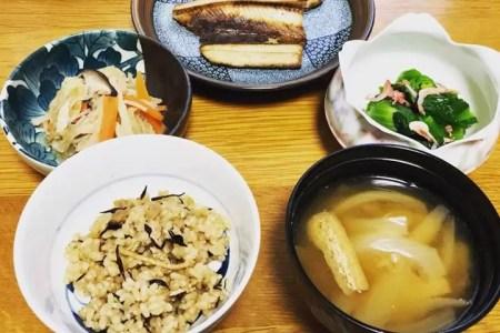 今日は家で久しぶりにシッカリ&ちゃんと和食。