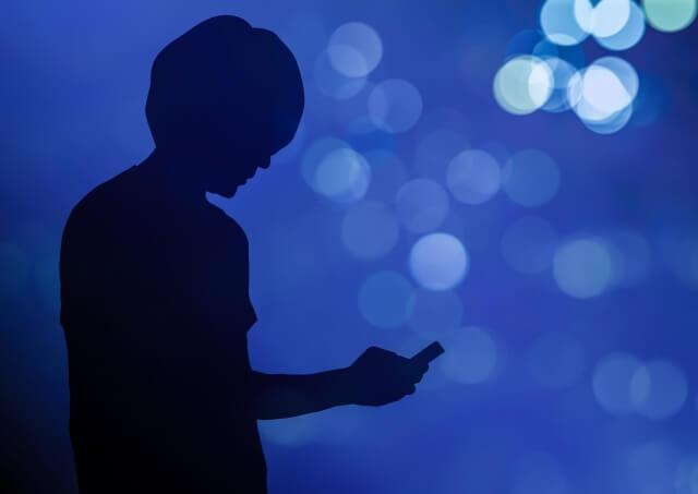 人 シルエット 携帯