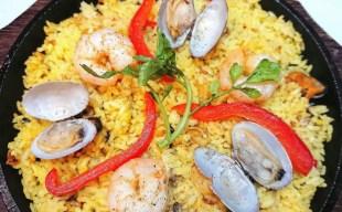 【おすすめ料理】魚介の旨味たっぷり!シーフードパエリア~食べきりサイズでお一人様にもおすすめ