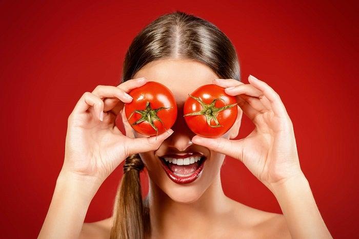 مقشر منزلي الصنع بالطماطم واللبن