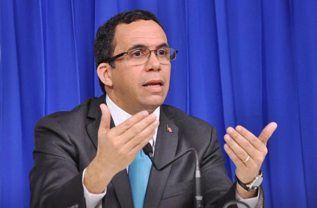 Navarro: año próximo se verán cambios educación