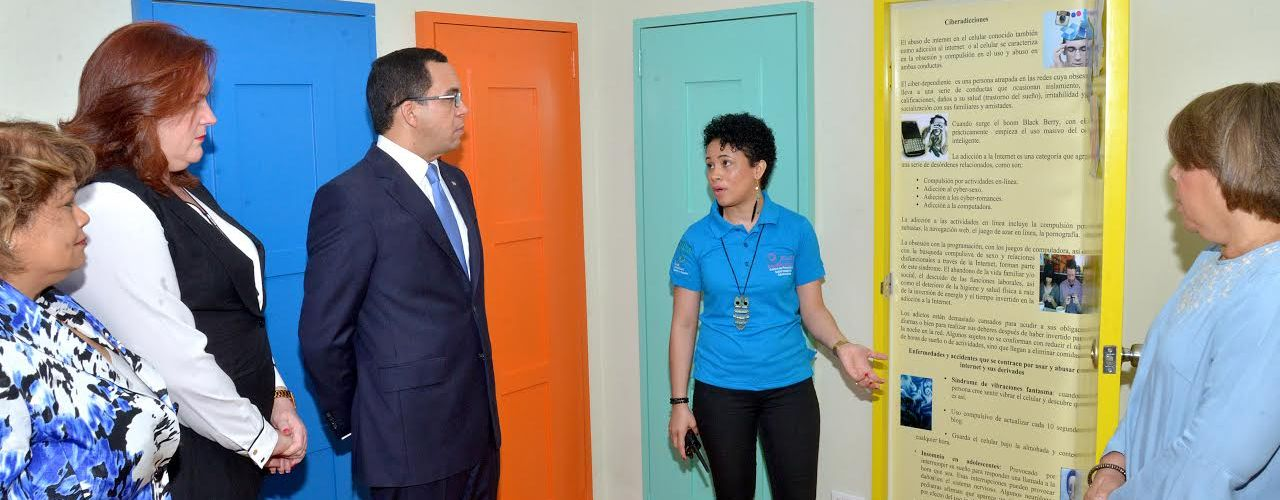 Navarro visita centro promoción salud sexual