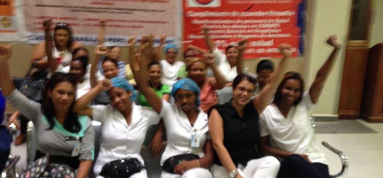 Amenazan extender paro de enfermeras