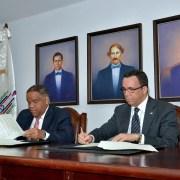 Navarro y Díaz firman acuerdo colaboración