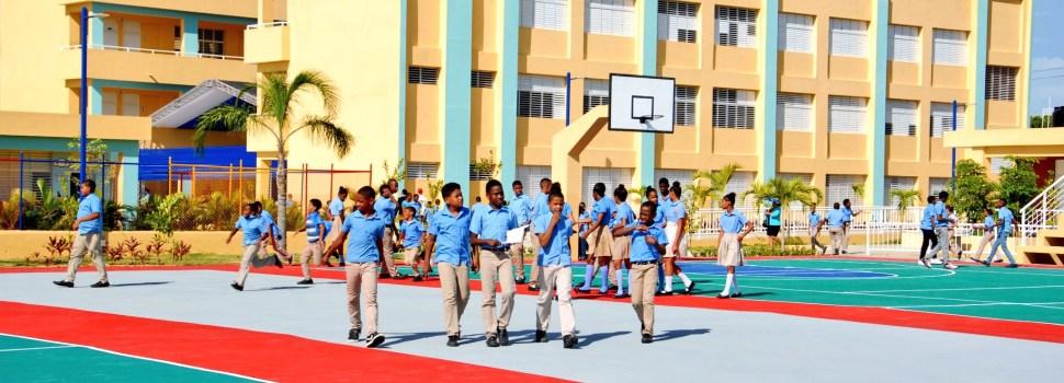 Reclaman construcción de escuelas