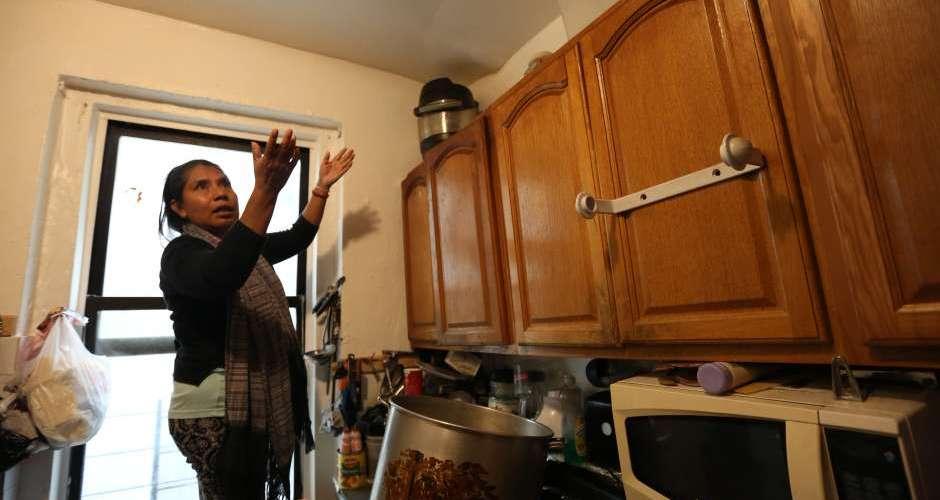 Viven en apartamentos inadecuados