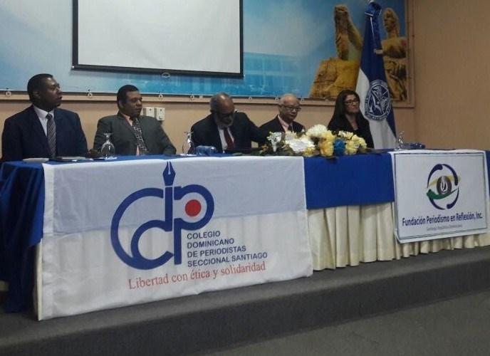 Panel sobre Constitución y Libertad de Prensa
