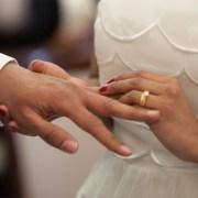Impostor roba identidad para matrimoniarse