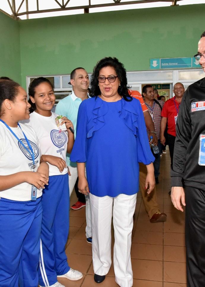 Navarro y Lizardo visitan áreas deportivas