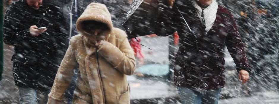 Avanza la tercera nevada de marzo